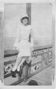 Mom at beach borne 1911 teenager VA BEACH